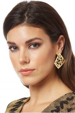 GOLD COLOR EARRINGS WITH DESIGN    EARINGS