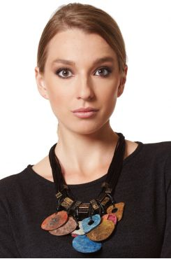ETHNIC WOODEN NECKLACE    NECKLACES