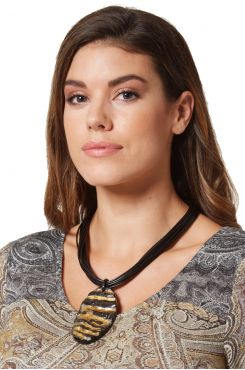 HORN RIMMED LAYERED NECKLACE    NECKLACES