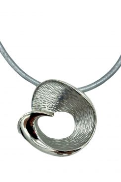PENDANT NECKLACE IN SILVER COLOR AND GREY LEATHER    NECKLACES