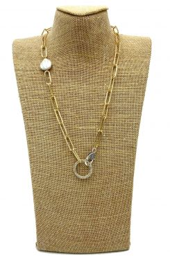 CHAIN NECKLACE IN GOLD WITH PEARL AND ROUND PENDANT    NECKLACES