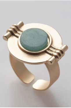 HANDMADE CARVED RING IN GOLD COLOR WITH A GREEN STONE    RINGS