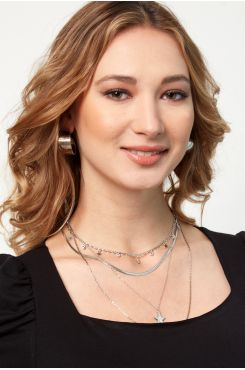 HANDMADE LAYERED NECKLACE IN SILVER COLOR WITH STARS    NECKLACES