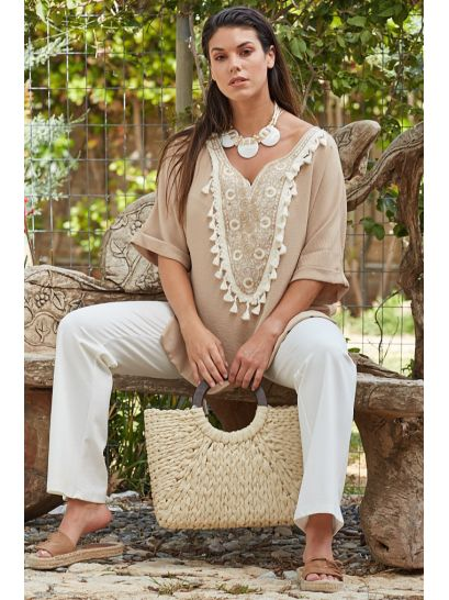 BLOUSE WITH MOTIF  | BLOUSES